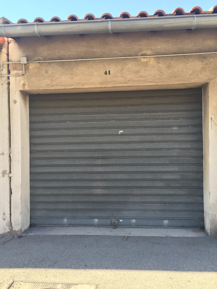 Agence immobili re tariot l 39 immobilier marseille 7 me for Garage la capelette