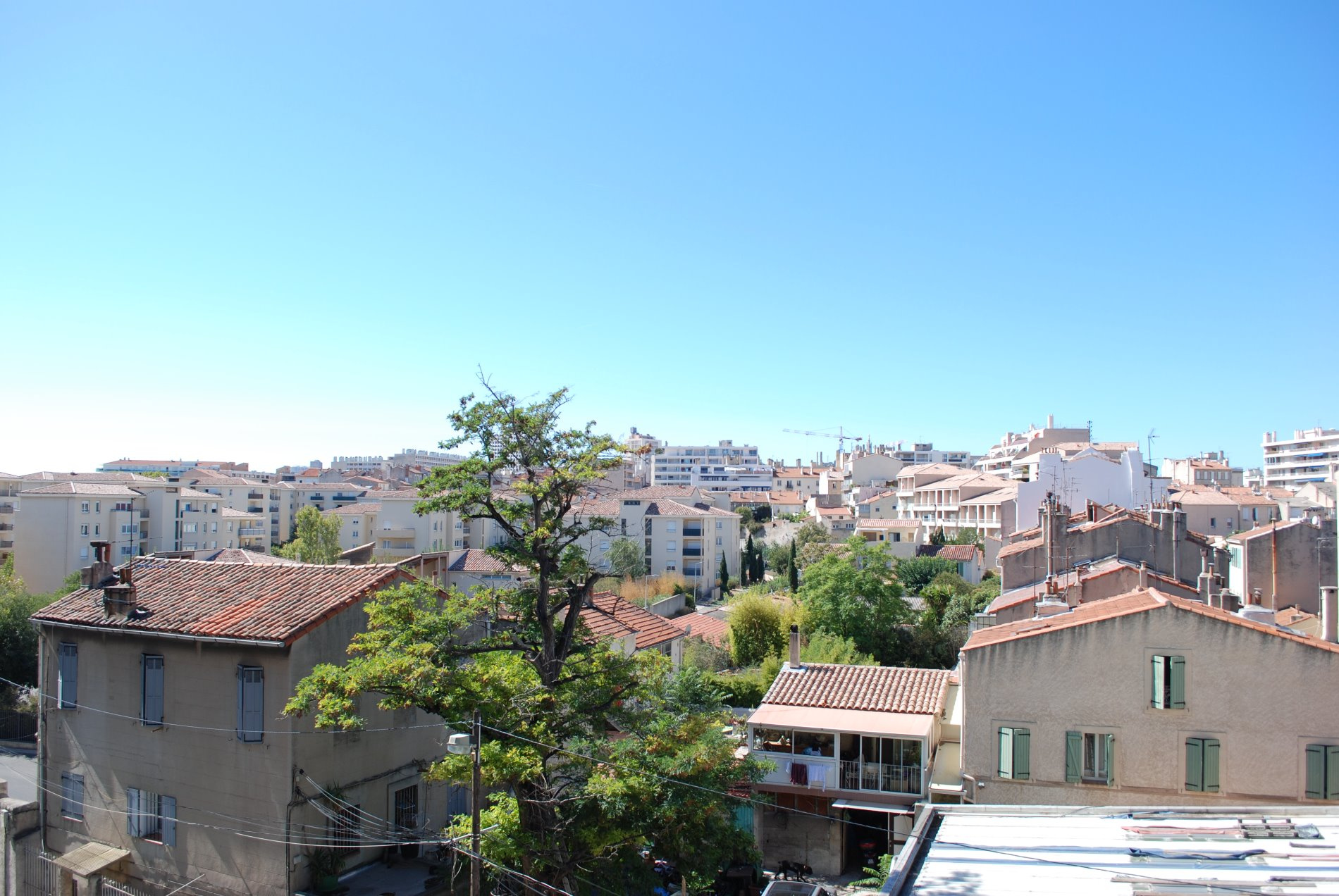 Agence immobili re tariot l 39 immobilier marseille 7 me for Garage marseille 13005